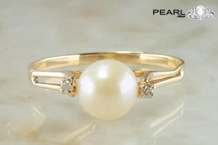 Which Metal A Pearl Should Be Worn With.