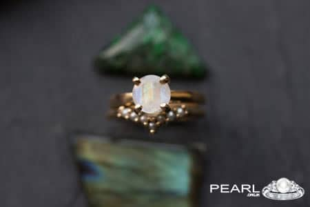 Moonstone VS Pearl Gemstone
