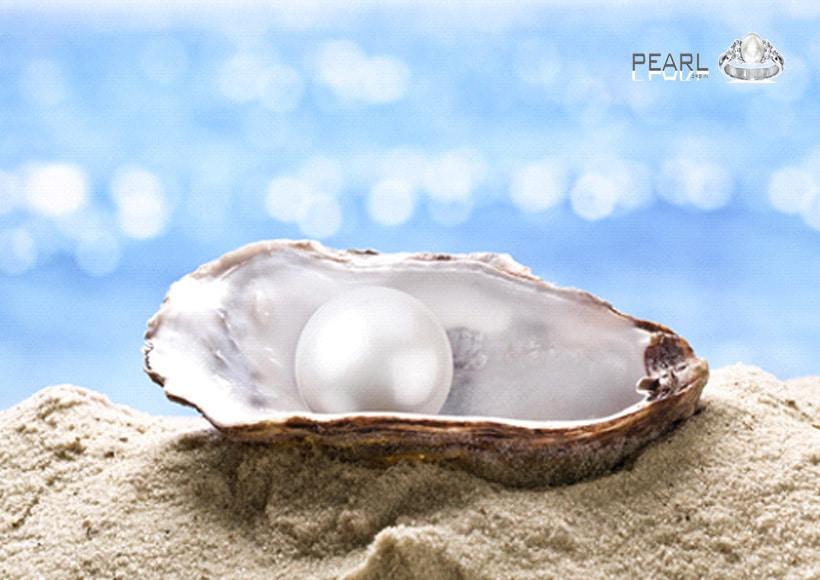 Beautiful-pearl-stone-a-peaceful-birthstone-1