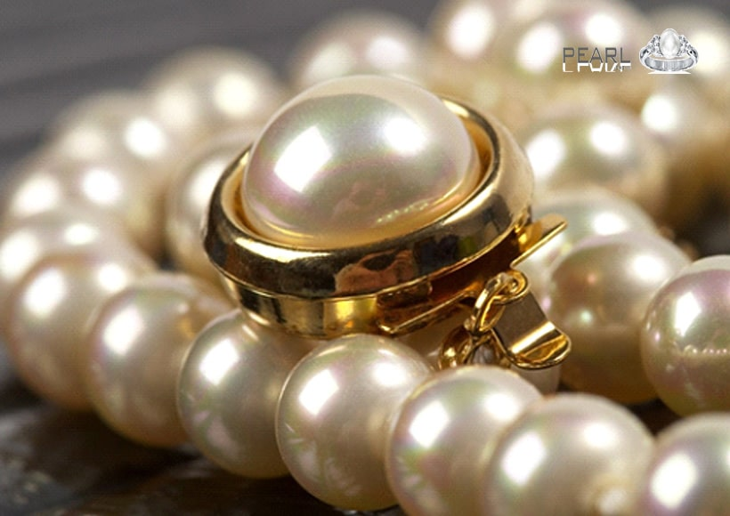 Beautiful-pearl-stone-a-peaceful-birthstone-2